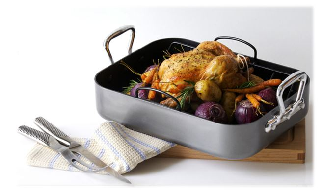 Premium Roasting Set WAS €65.00 NOW €52.00.