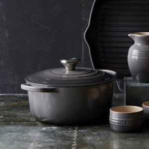 https://www.meadowsandbyrne.com/le-creuset-oval-casserole-27cm.html